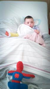 Lubiński Igor przeszedł operację chirurgiczną, 2 godziny po operacji